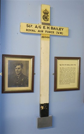 Photo:Wooden Commonwealth War Grave Commission grave marker - Sgt E H Bailey
