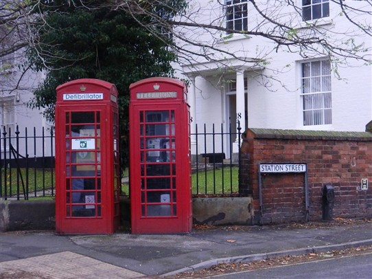 Photo:Phone boxes at Bingham on the corner of Market Place and Station Street.
