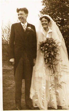 Photo:Wedding Bells:  Brenda and Leaver Howitt