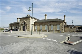 Photo:Mansfield Station in the 1990s