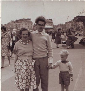 Photo:Elaine, Bill and David Coyne at the seaside, late 1950s