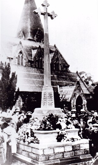 Photo:Unveiling the War Memorial