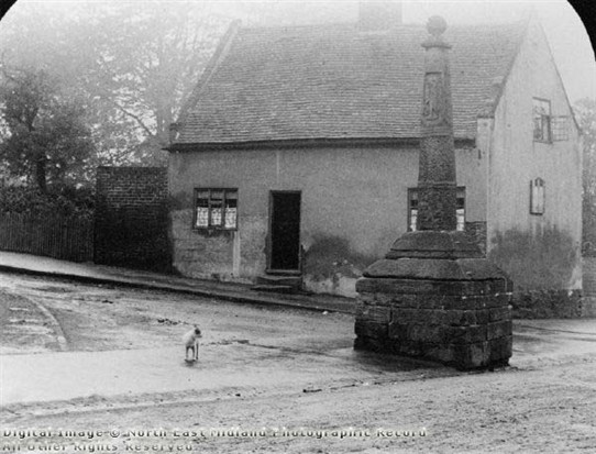 Photo:The Old Cross, Church Lane / Church Street