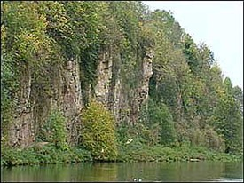 Photo:Limestone caves and fissures at Creswell Crags site