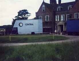Photo:Central Television moving equipment into Beesthorpe Hall