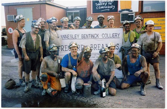 Photo:Annesley-Bentinck Record Breakers - November 1992