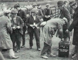 Photo:Harworth miners voting in 1928