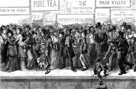 Photo:Victorian Bank Holiday crowd waiting for a train