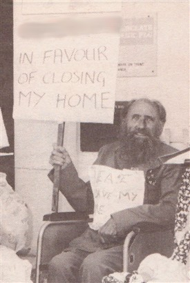 Photo:Jock fraser campaigning to save the Fosselands nursing home in Newark, September 1993