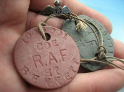 Photo:Dog tag of the kind forged for von Werra