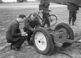 Photo:RAF Accumulator trolley